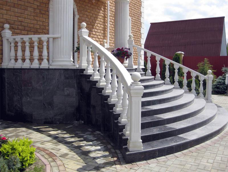 Изготовление лестниц из гранита и мрамора
